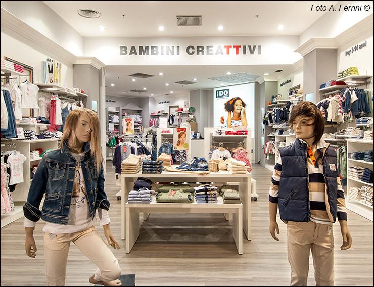 Negozi abbigliamento i gigli centro commerciale for Negozi di arredamento toscana
