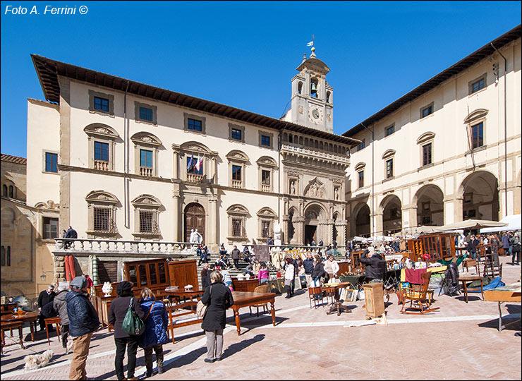 Fiera antiquaria di arezzo mostra antiquariato for Arezzo antiquariato