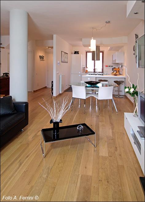 Arredamento soggiorno parquet il miglior design di for Arredamento soggiorno moderno in legno